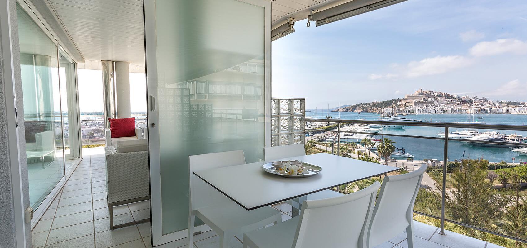 Comedor de verano y terraza