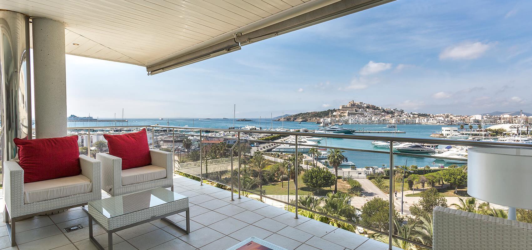 Vistas desde el apartamento a la cudad vieja de Ibiza